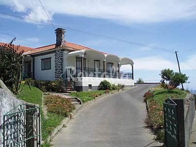House for 4-5 people 7 km from the beach Isle of São Miguel
